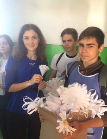 Калачеевские полицейские приняли участие в благотворительной акции «Белый цветок»