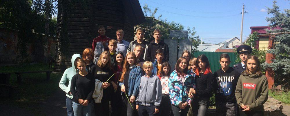 Члены Общественного совета при ОМВД России по Калачеевскому району организовали для детей экскурсию в музей
