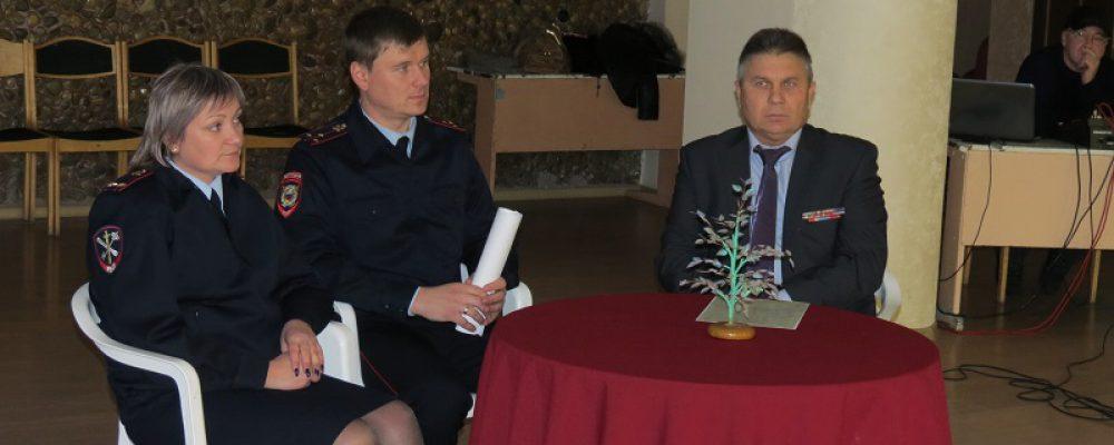 Калачеевские полицейские приняли участие в мероприятии посвященном Дню Героев Отечества и Международному дню борьбы с коррупцией