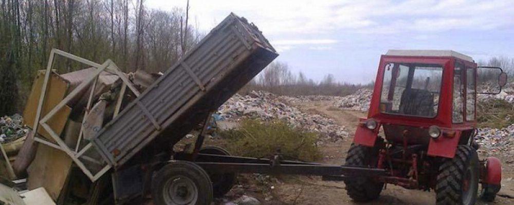 В Калаче директора УК наказали штрафом за вывоз мусора без лицензии