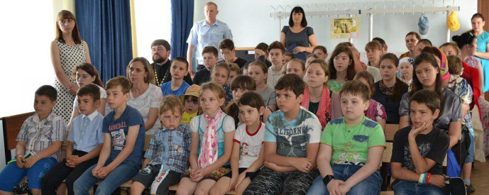 Калачеевские полицейские и общественники провели антинаркотическое мероприятие в воскресной школе