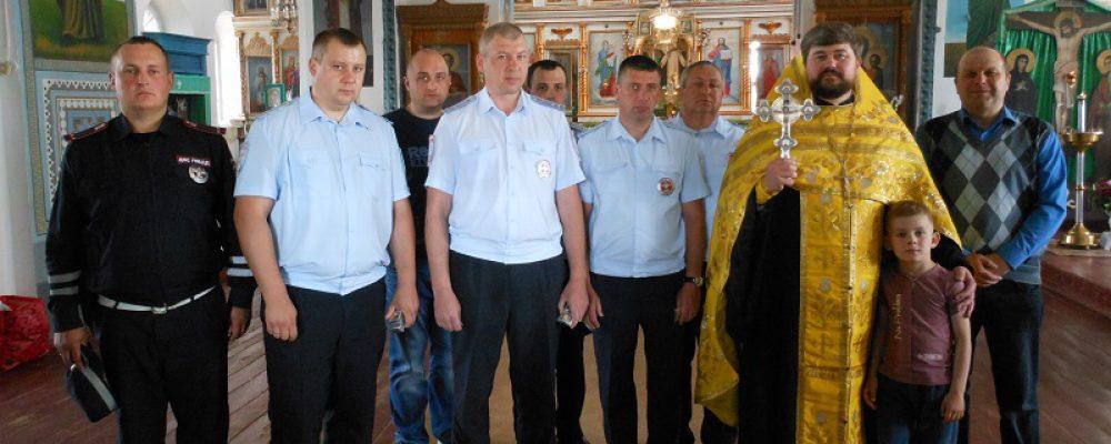 Калачеевские полицейские приняли участие в молебне в память погибших в ДТП