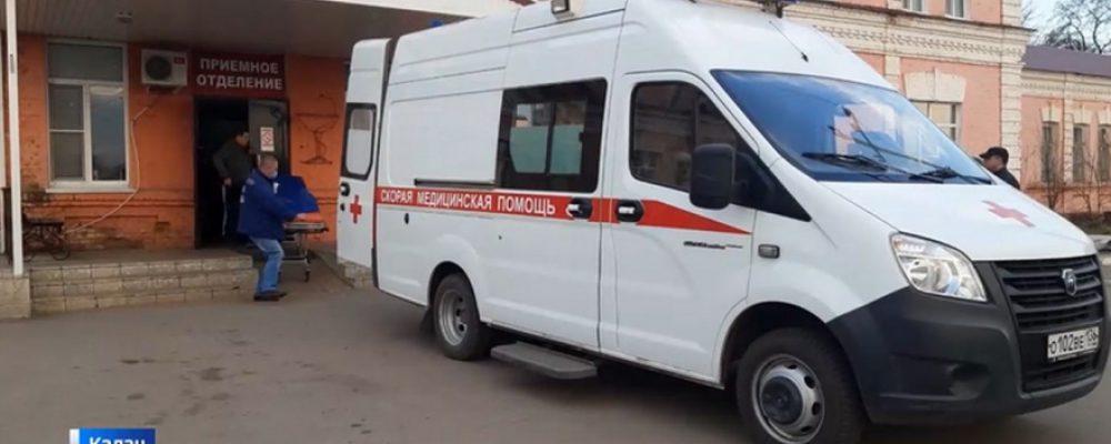 После контакта с заражённым COVID-19 проверяют 300 врачей и пациентов калачеевской больницы