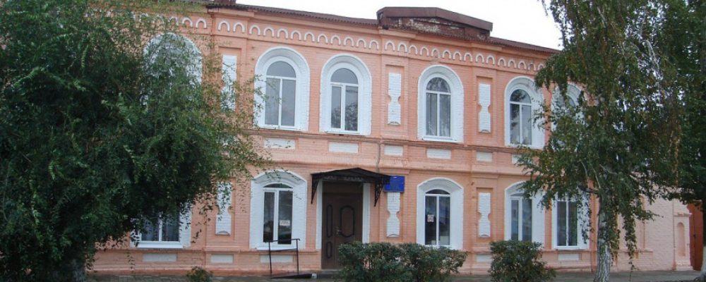 В Калаче директора школы искусств осудили за должность для дочери