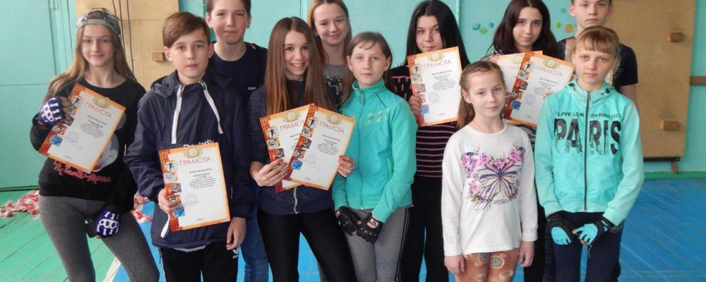 В открытых областных соревнованиях по спортивному туризму в закрытых помещениях участвовали калачеевцы