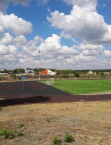 В с. Заброды реконструируют стадион «Калач-Арена»