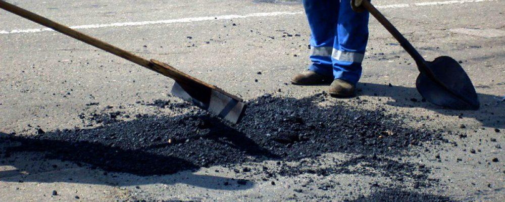 В конце апреля дорожники приступили к ремонту автомобильных дорог