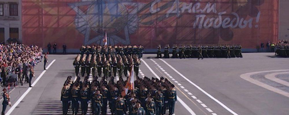 Владимир Путин из-за коронавируса отложил Парад Победы