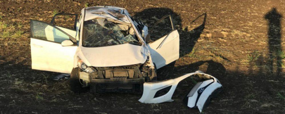 В Калачеевском районе опрокинулась иномарка с водителем-подростком: пострадали трое
